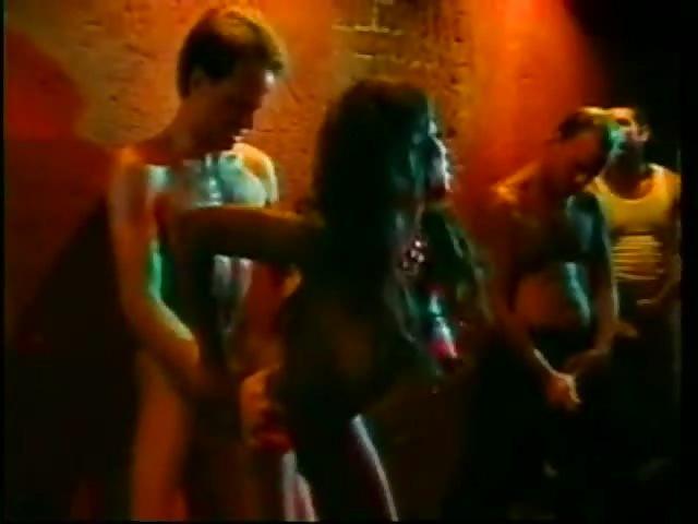 Murzynki anal gangbang porno ogromny kutas w pochwie