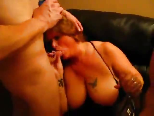 Erotische Mama Bumst Ihren Sohn