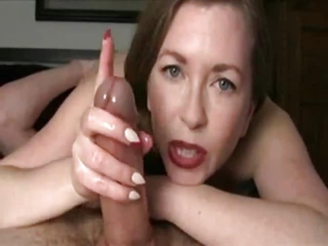 Milf Porn - Julia Ann beim Schwanz lutschen