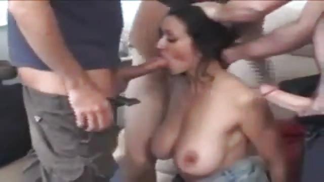 Xxx porno tube Latina shaking her ass