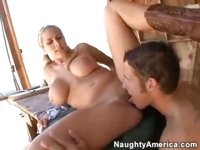czarne agresywne porno