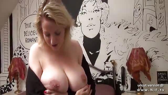 Titten mamas grosse Große Titten